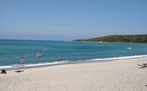 Le tourisme à Ajaccio en hors saison....les pieds dans l'eau