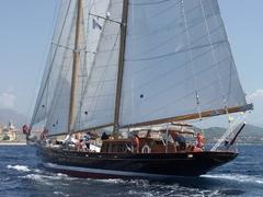 regates_imperiales_2009_bateaux_32.jpg